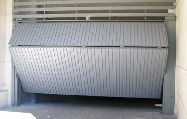 puerta-abatible-metalica